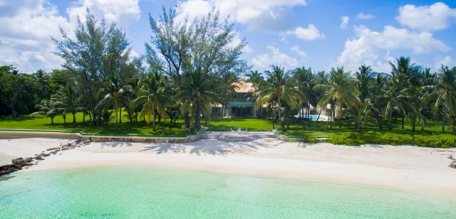Lucaya Beachfront House at Lyford Cay