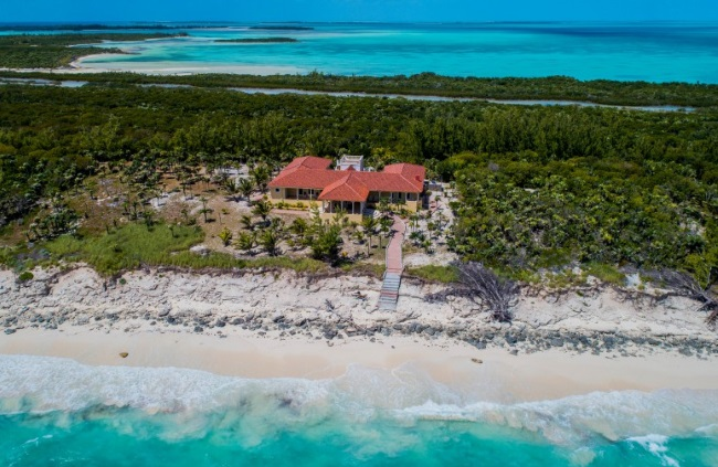 Whale Cay Luxury Buddy Olen