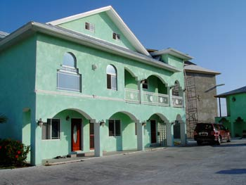 HIGHLY DISCOUNTED LUXURY APARTMENT BUILDING IN FREEPORT FOR SALE